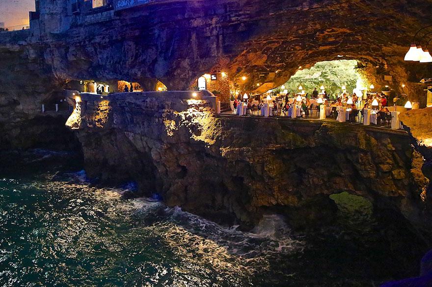 restaurante-cueva-grotta-palazzese-italia (2)