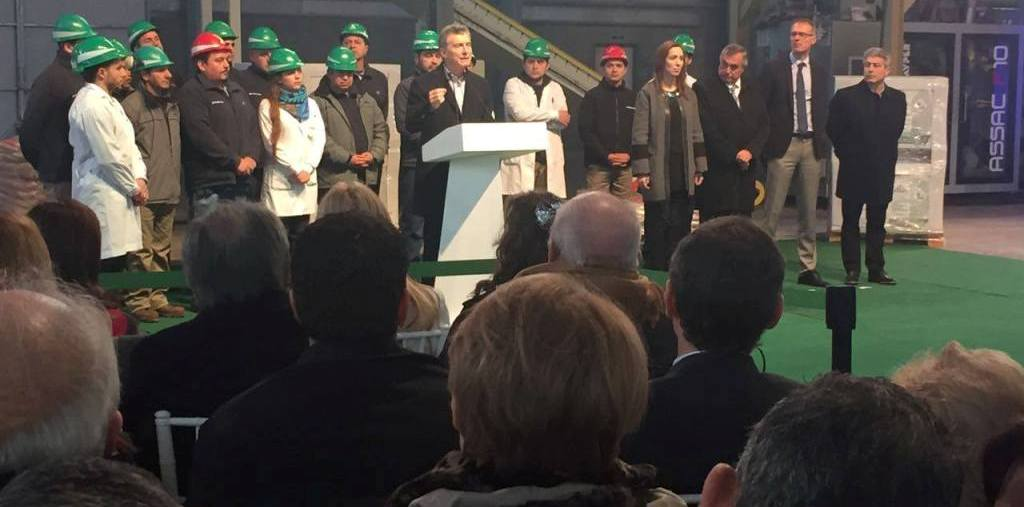 Maurico Macri inaugurando Synertech en Pergamino