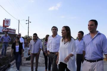 Recorrida de Vidal, acompañada por Francisco Ratto y autoridades locales