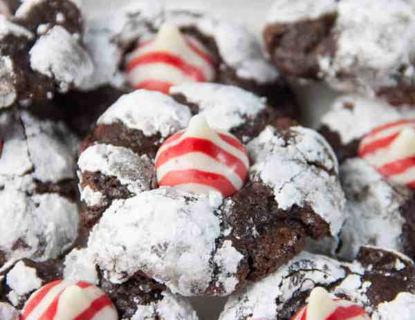 candy cane kiss chocolate crinkles