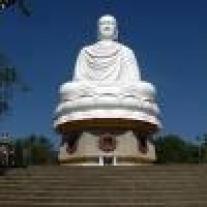 grande statue blanche de bouddha[1]