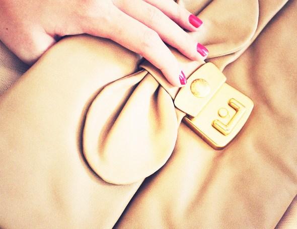 _marcbymarcjacobs_linda_clutch_bow_bag