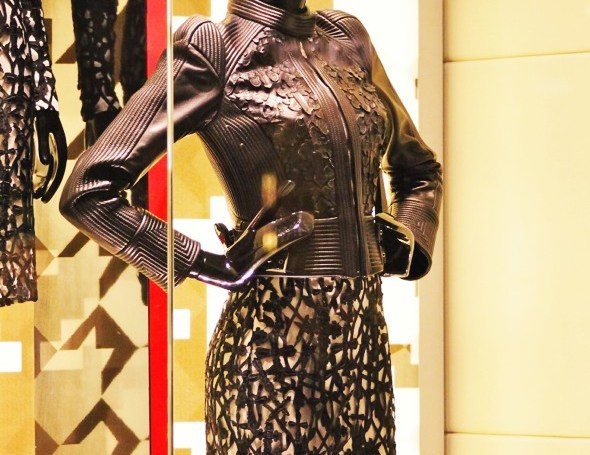louis vuitton dior valentino luxury 2012 las vegas caesars palace bellagio hotels casino fashion_effected