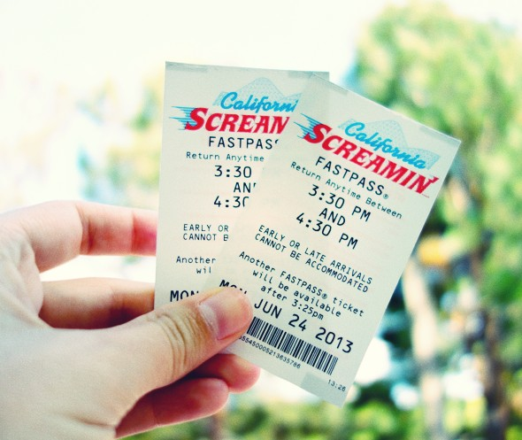 fastpass disneyland anaheim california_effected