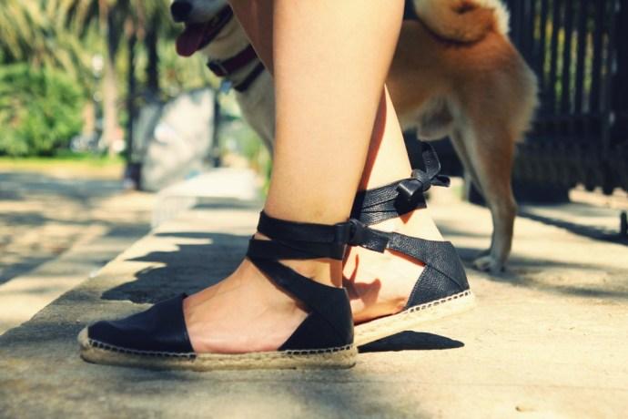 espadrilles_yves_saint_laurent_alpargatas_cuir_leather_straps_noeud_bow_2016_fashion_style_shoes_summer_trend_effected