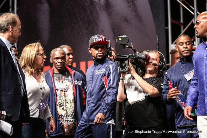 1-MAYPAC WEIGH IN-TRAPPFOTOS-3616