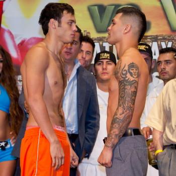 http://i2.wp.com/www.boxingnews24.com/wp-content/uploads/ChavezVerafacweighin.jpg?resize=350%2C350