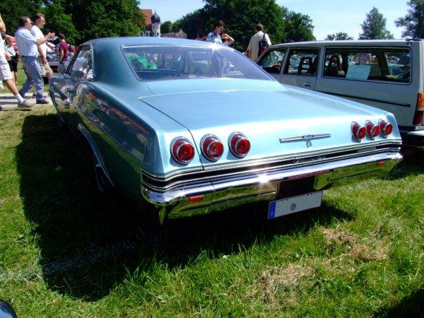Chevrolet_Impala_SS_1965_2