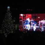 It's hard to get a decent picture of the video screen, the Christmas tree and the State House. This was way better than the others.