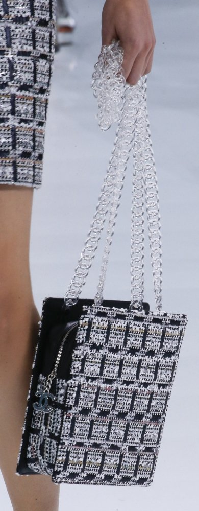 Chanel-Spring-Summer-2016-Runway-Bag-Collection-Featuring-New-Squared-Tote-Bag-19
