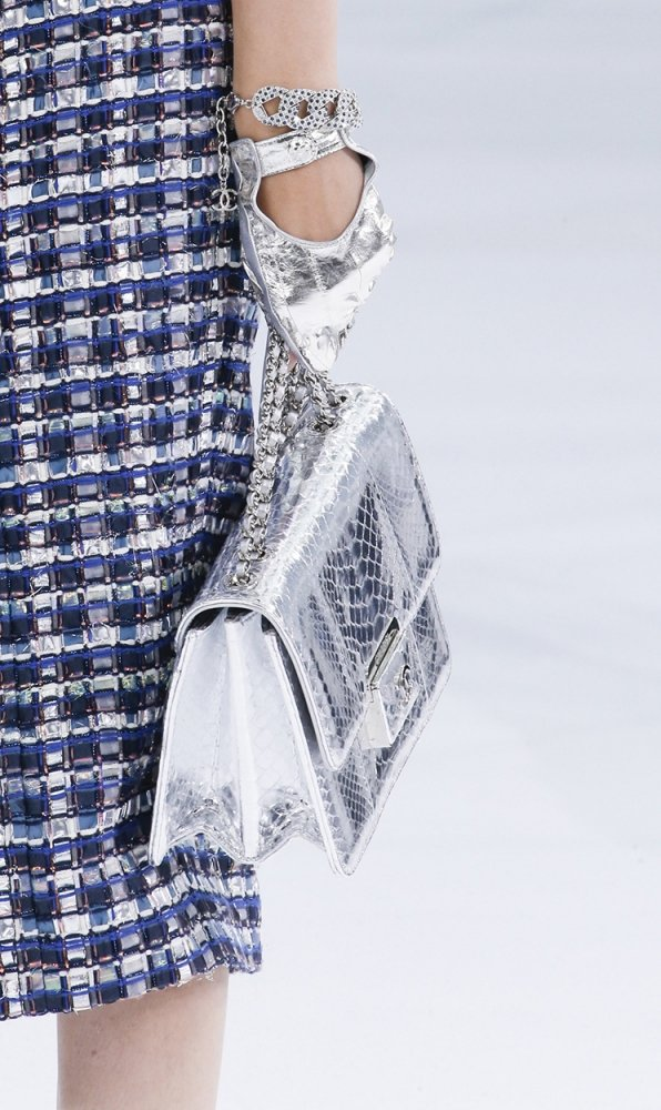 Chanel-Spring-Summer-2016-Runway-Bag-Collection-Featuring-New-Squared-Tote-Bag-9