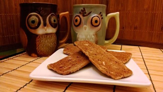 [image: almond thin cookies and adorable owl mugs]