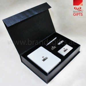 UAE National Day Gift Set, Custom Corporate gifts, National Day Giveaways , Promotional Gift Items, www.brandsgifts.ae