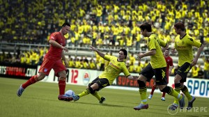 fifa12 pc hummels tackle edit wm 300x168 FIFA 12 PC Screenshots – Gamescom 2011