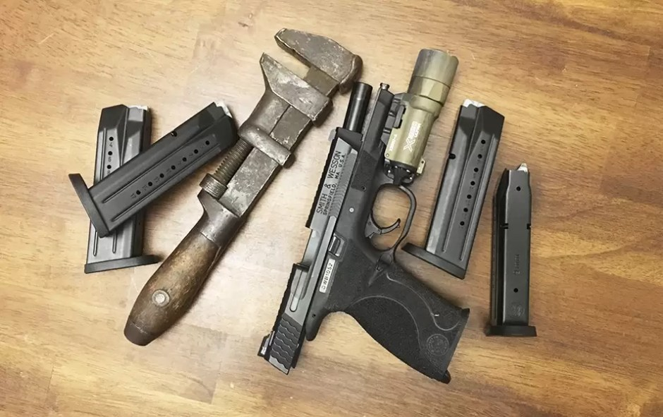 KnowYourWrenches-be-a-gun-guy2