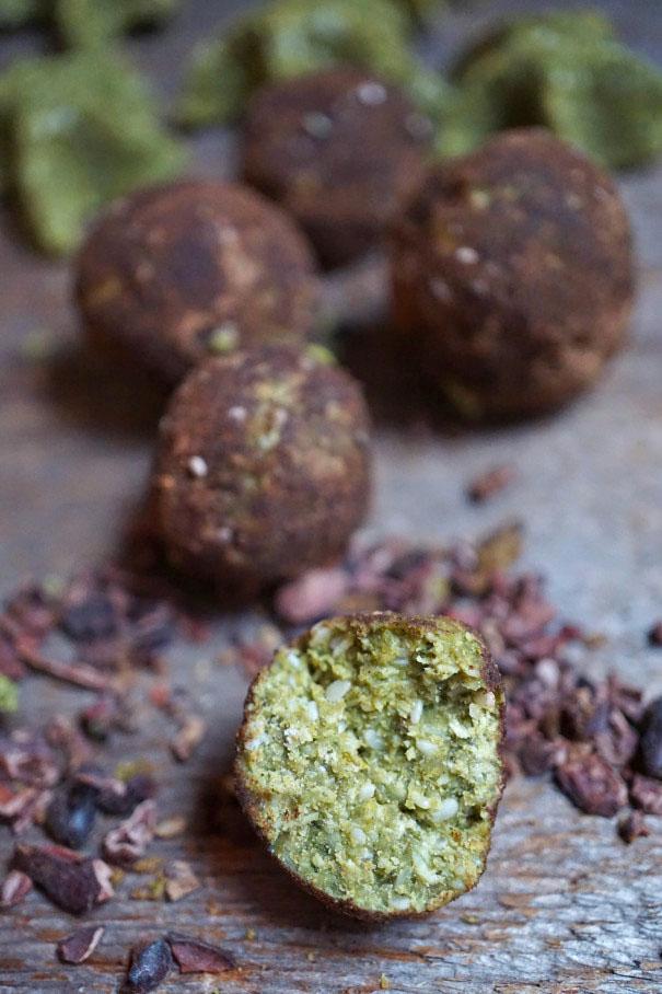 Magical Cacao & Matcha Moringaroons Recipe