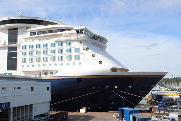 Die Color Magic steht abfahrtbereit im Hafen von Oslo.
