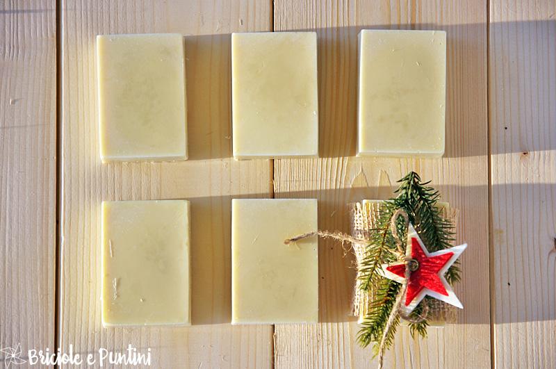 Regali fai da te sapone al miele fatto in casa - Sapone liquido fatto in casa ...