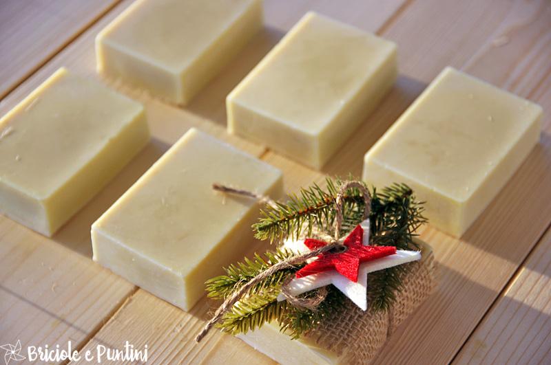 Regali fai da te sapone al miele fatto in casa - Olio da bagno fai da te ...