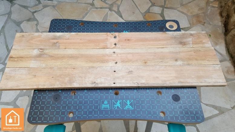 tuto fabriquer un plateau en bois de palettes bricolage facile. Black Bedroom Furniture Sets. Home Design Ideas