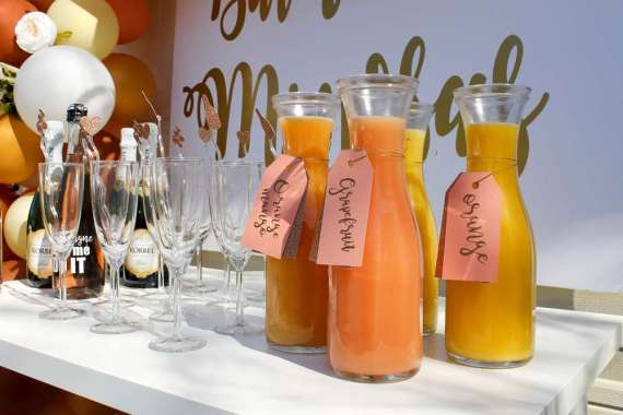 Morning-Mimosa-Bridal-Shower-Juices