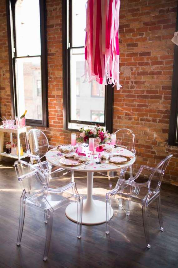 Heartfilled-Bridal-Shower-Visitor-Seating