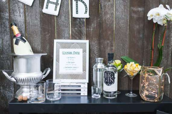 Outdoor-Great-Gatsby-Party-Bar-Table