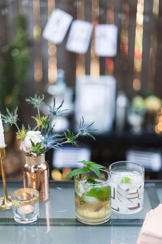 Outdoor-Great-Gatsby-Party-Floral-Arrangements