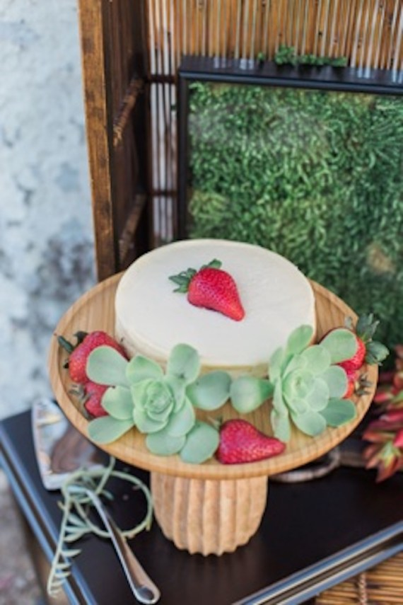 Colorful-Au-Natural-Bridal-Shower-Cake