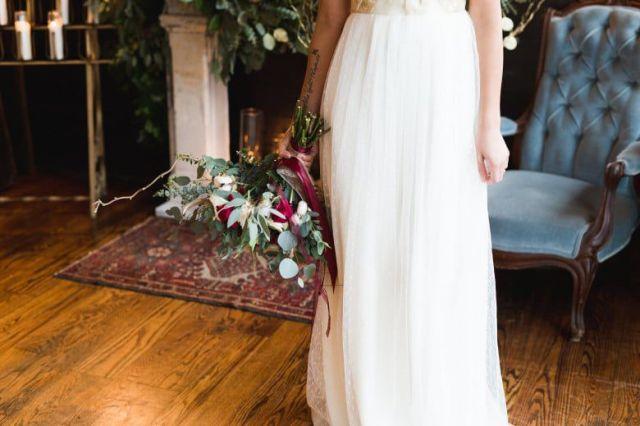 Romantic-Winter-Rustic-Wedding-Colorful-Flowers