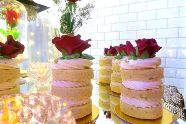 Beauty-And-The-Beast-Dream-Wedding-Rose-Desserts