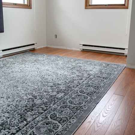 Oak Flooring and Rug