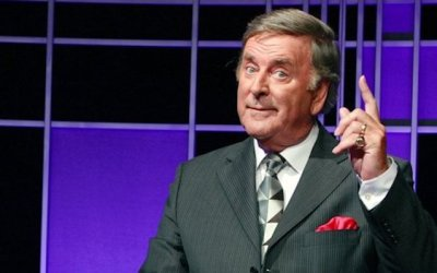 sir terry wogan presents popular teatime quiz show Wogan's perfect Recall