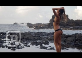 Video thumbnail for youtube video Alana Blanchard is a surfer girl worthy of your attention - Guyism