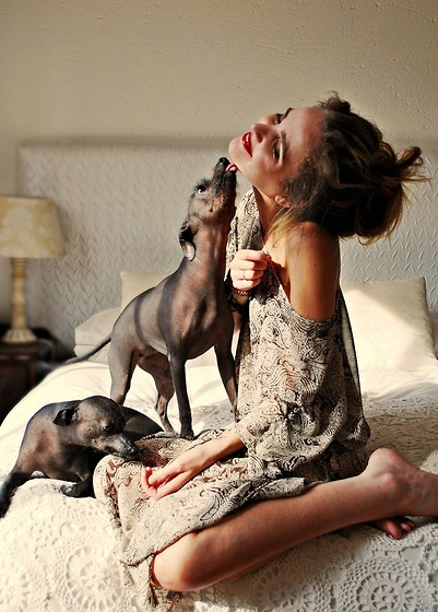 Tumblr/girls-with-dogs