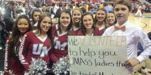 Young Tennessee Fan Takes the Awesome Pic with UMass Cheerleaders, Might Be the Biggest Bro King Ever