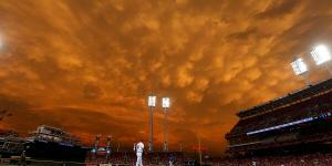 This amazing photo was snapped during the Cincinnati Reds game