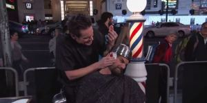 Jim Carrey Gave People Lloyd Christmas Haircuts On 'Jimmy Kimmel Live'