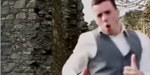 Irish Bro 'Forgets' Best Man Speech, Surprises Buddy At Wedding With An Action Flick Of Him Trying To Get it Back