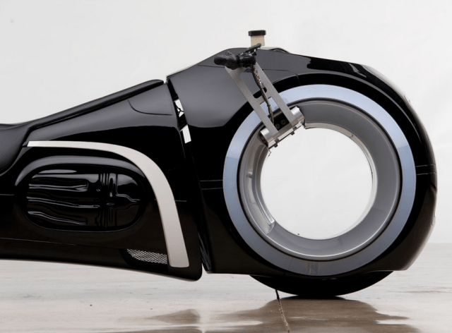 tron-legacy-lightcycle-1