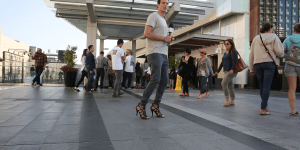 I Wore High Heels For An Entire Day and HOLY JESUS GIRLS ARE MASOCHISTS (VIDEO)