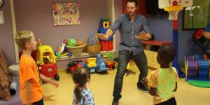 Chris Pratt Put On A Raptor-Training Clinic At A Children's Hospital, Is Better Than You