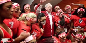 Even Billionaire Investor Warren Buffett Like To Check Out Some Titties Sometimes