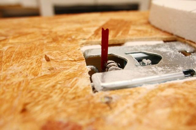 Jigsaw rig into half ban saw with nail polish as visibility improver (1)