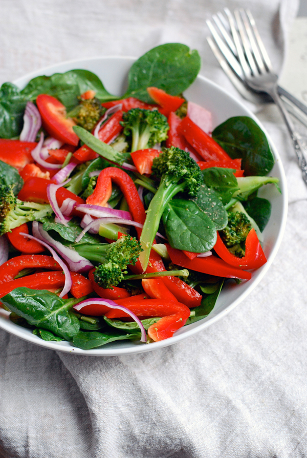 spinach salad with broccoli and red peppers // brooklyn supper