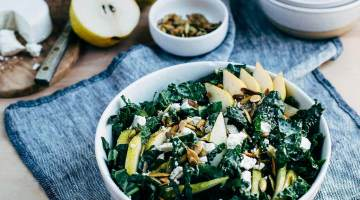 kale salad with pears