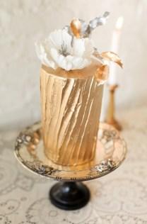 bryllupskake-trender-gull-bryllupskaker-kakebord