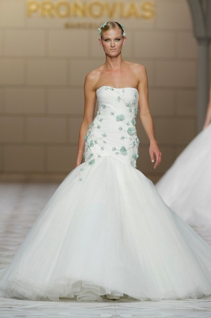 pronovias-brudekjole-blonder-2015-brudeblogg