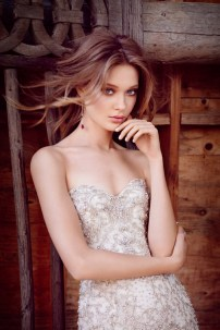 lazaro-bridal-beaded-embroidered-fit-and-flare-tulle-strapless-sweetheart-elongated-wave-horsehair-chapel-3553_x2