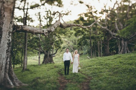 Bride-and-Groom-in-Australian-bush1